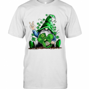 Gnome Hug Mickey Clover Irish St. Patrick'S Day T-Shirt Classic Men's T-shirt